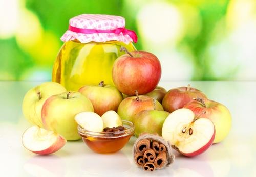 мед и яблочный сок