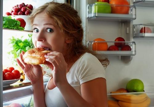 ночные перекусы у холодильника