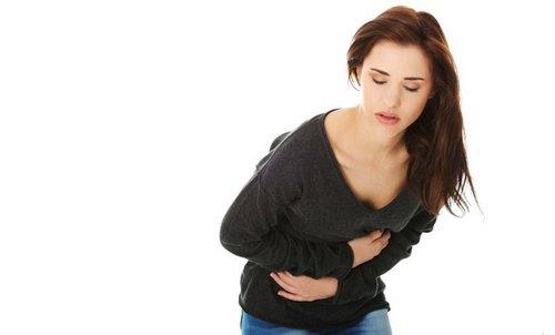 при гриппе болит живот у девушки