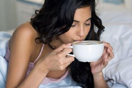 употребление кофе с утра в постели